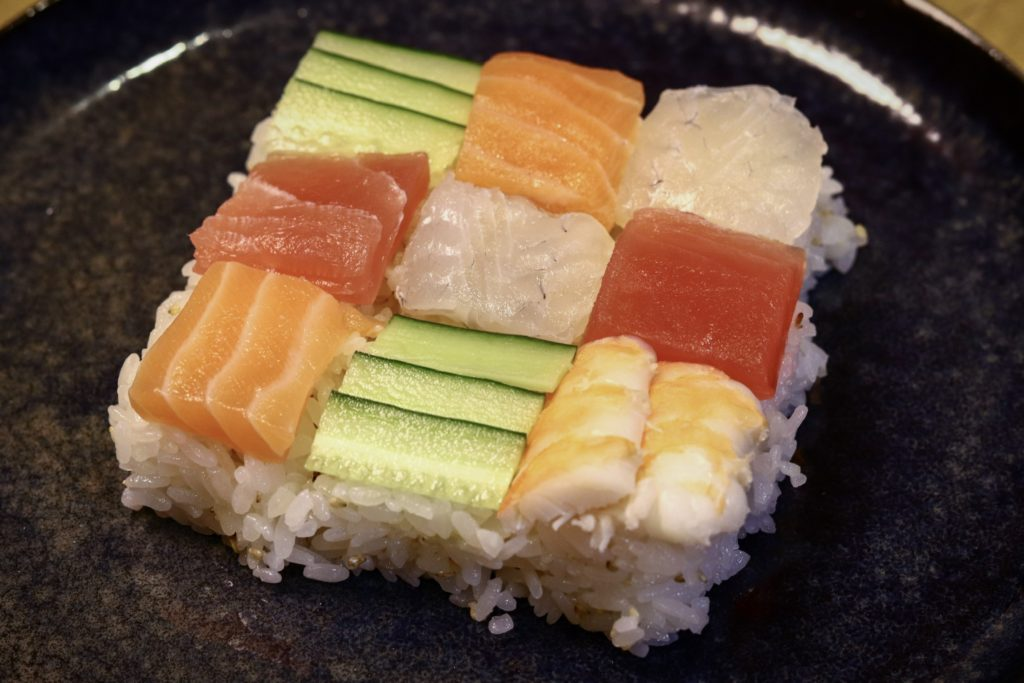 モザイク寿司の具としてイシガレイを入れる