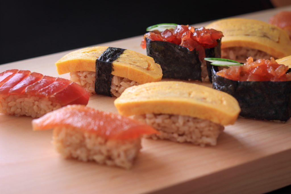 寿司型で作った家寿司